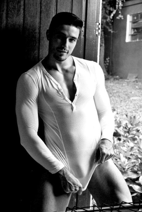 Lucas+Gil+Hot+Sexy+Brazilian+Model+Burbujas+De+Deseo+01