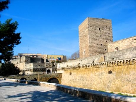 castello_di_bari_petrelli_1237559974689